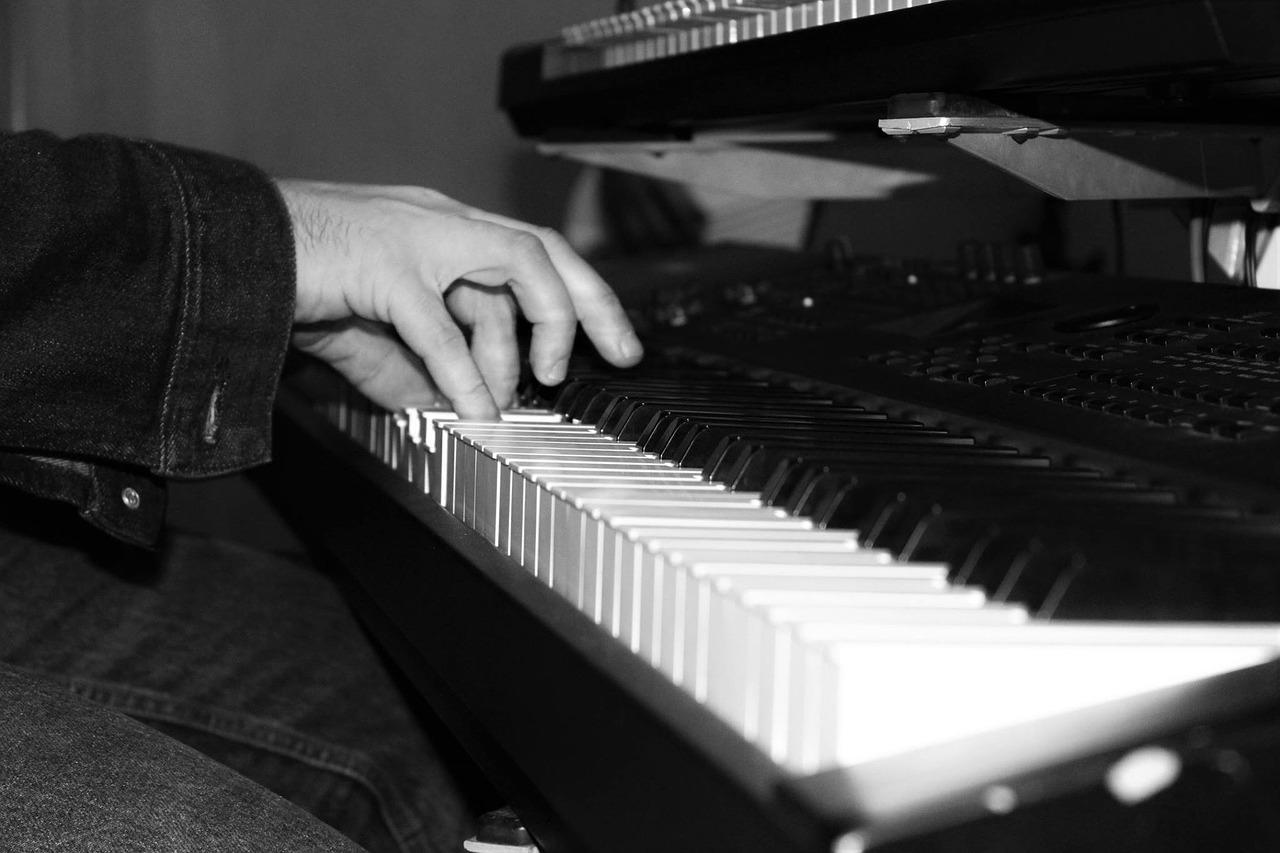 最经典钢琴轻音乐推荐